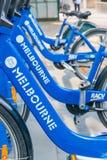 墨尔本- 2015年10月:墨尔本份额自行车行  自行车ren 库存照片