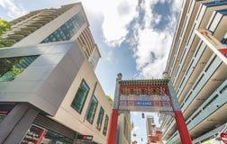 墨尔本- 2015年10月:唐人街街道和大厦在b 库存照片