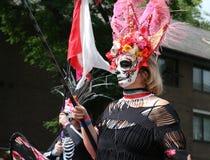 墨西哥人圣诞老人muerte构成的无法认出的妇女 库存照片