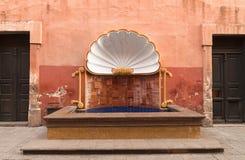 墨西哥传统喷泉贝壳形状 库存照片