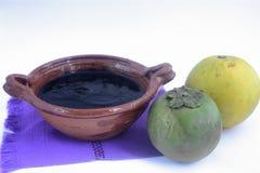 墨西哥传统黑美洲热带树甜点做用橙汁 免版税库存图片