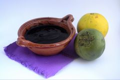 墨西哥传统黑美洲热带树甜点做用橙汁 免版税图库摄影