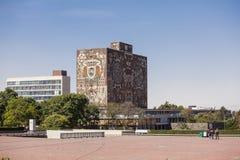 墨西哥国立自治大学大学图书馆 免版税库存照片
