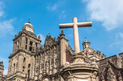 墨西哥城圣母升天节的大城市大教堂  库存图片