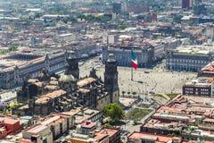 墨西哥城大广场和大教堂鸟瞰图  免版税图库摄影