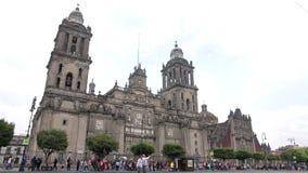 墨西哥城,墨西哥大约2014年6月:全景城市居民大教堂 大厦是一个多数代表由天主教徒  股票视频