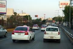 墨西哥城,墨西哥- 2018年3月18日-墨西哥大都会首都充塞了交通 免版税库存图片