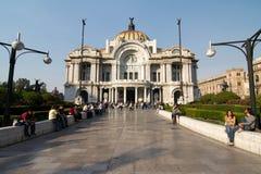 墨西哥城,墨西哥- 2011年:帕拉西奥de贝拉斯阿特斯(艺术宫殿) 库存图片