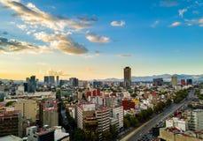 墨西哥城-空中全景-日落 库存照片