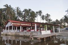 墨西哥塔巴斯科州ParaÃso/墨西哥12/23/2009 ParaÃso,海盗海滩或Playa的del Pirata有名餐厅 免版税图库摄影
