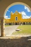 墨西哥大教堂Izamal,墨西哥 免版税库存照片