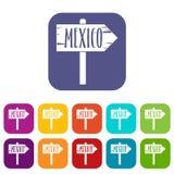 墨西哥木方向箭头标志象设置了舱内甲板 免版税库存照片