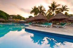 墨西哥池游泳 免版税库存图片