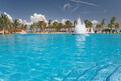 墨西哥池视图水供水系统 库存图片