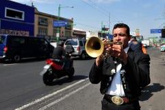 墨西哥流浪乐队在墨西哥城演奏音乐 免版税图库摄影