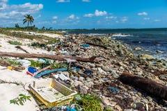 墨西哥海洋污染问题塑料废弃物 免版税图库摄影