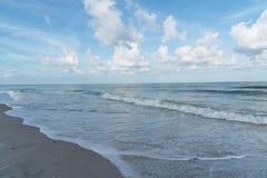 墨西哥湾的看法从沙子钥匙海滩,佛罗里达,美国的 免版税库存照片
