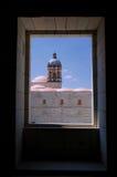 墨西哥瓦哈卡圣多明哥修道院视图从窗口到教会 库存图片