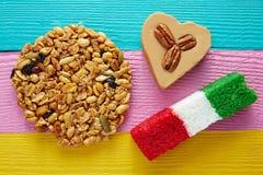 墨西哥糖果Palanqueta cajeta心脏椰子 库存图片