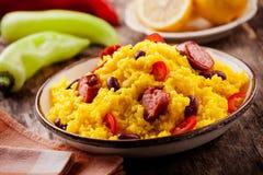 墨西哥膳食用香肠和豆 免版税图库摄影