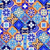 墨西哥风格化塔拉韦拉铺磁砖在蓝色橙色的无缝的样式和白色,传染媒介 向量例证