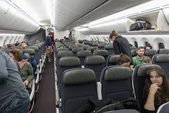 墨西哥- 2017年11月22日:与人的Aeromexico波音787Â Dreamliner内部 库存图片