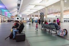 墨西哥- 2017年10月27日:墨西哥城贝尼托・胡亚雷斯国际机场 贝尼托华雷斯机场 离开地区 免版税库存照片
