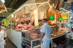 墨西哥- 2017年10月19日:墨西哥市场用在销售中的肉 免版税库存图片