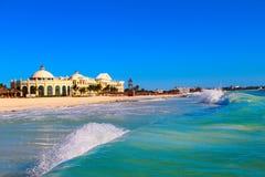 墨西哥 旅馆` Iberostar盛大Paraiso `的海滩 免版税库存照片