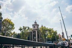 墨西哥- 9月19 :教会在墨西哥城在地震的天的那天 免版税库存图片