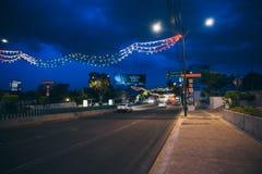 墨西哥- 9月19 :用墨西哥国旗的颜色装饰的街道 库存图片