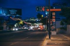 墨西哥- 9月19 :用颜色装饰的街道的 图库摄影