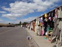 墨西哥 teotihuacan的金字塔 纪念品市场  库存照片