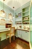 壁橱小家庭办公的空间 免版税库存图片