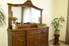 壁橱镜子 免版税库存照片