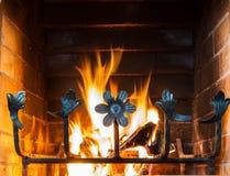 壁炉和木燃烧 库存照片
