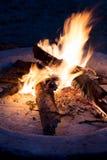 壁炉在晚上 库存图片