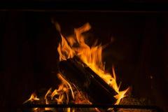 壁炉火焰在冬天 库存图片