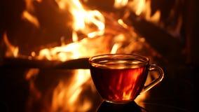 壁炉的火焰在茶杯背景中  影视素材