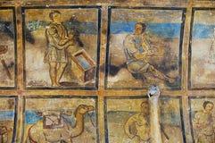 壁画和天花板装饰的片段在古老Umayyad的在扎尔卡,约旦离开Qasr Amra城堡  库存照片