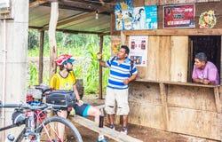 壁角商店在小村庄在危地马拉 免版税库存照片