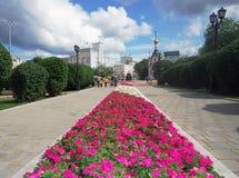壁角有历史的俄国方形yekaterinburg 库存图片
