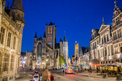 绅士夜比利时Sint-Niklaasklerk教会 库存图片