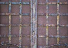 壮观的加工铁门,装饰锻件,伪造的元素特写镜头 图库摄影