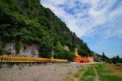 壮观的寺庙作前提每尊敬 库存照片