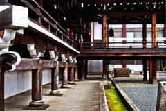 惊人的佛教木建筑学透视在京都,日本 免版税库存图片