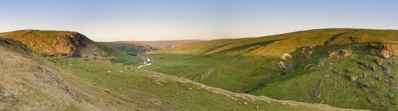 壮观的活力谷的全景,在波伊斯,中间威尔士 免版税库存图片