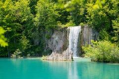 壮观的瀑布在Plitvice国家公园 免版税图库摄影