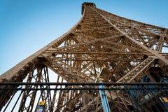 壮观的艾菲尔铁塔看法从第一个水平的。在巴黎, Fr 免版税库存照片