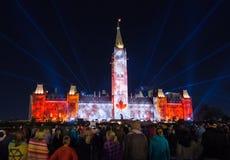 声音和光在议会小山显示在渥太华 免版税库存图片